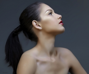 Woman in profile - Rhinoplasty article